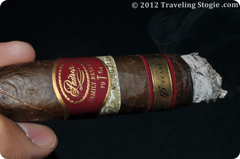 PadronFamilyReserve46YearsMaduro 15 Padron Family Reserve 46 Years Maduro Review